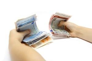 Luotettavat lainapaikat tarjoavat yleensä vippiä nopeasti pankkitilille jopa 10 minuutissa